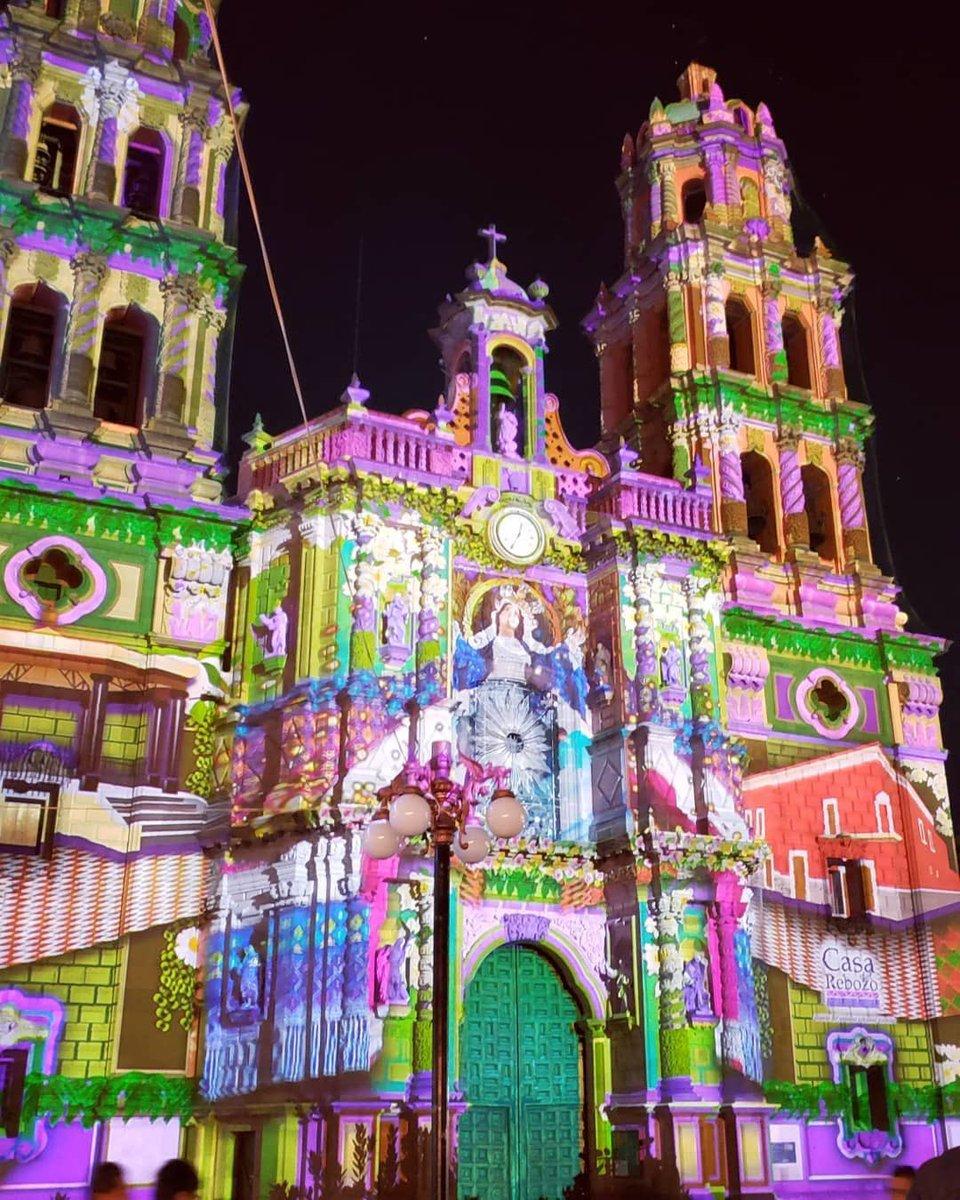 #FiestaDeLuz #Invierno2019   Catedral #SanLuisPotosí  pic.twitter.com/zoSGTZKzm0