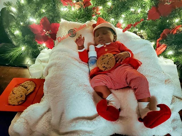 Jayde is waiting for Santa!! #dolcinestudios #photooftheday #photographer #photo #nikonlife #nikonphotographypic.twitter.com/mq6SvQvB5F