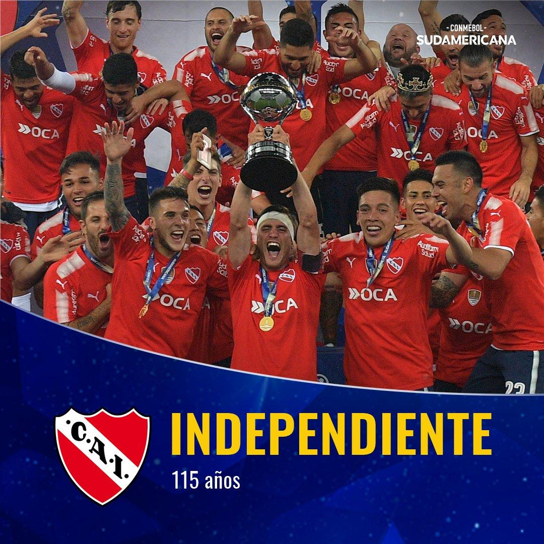 🏆🇦🇷 ¡Conquistó 2⃣ veces la #Sudamericana y va por más!  🎉Hoy festeja 1⃣1⃣5⃣ años @Independiente, campeón en 2010 y 2017.  📅 Jugará la actual edición de la @Sudamericana: se enfrentará con @FortalezaCEIF el 1⃣3⃣ y 2⃣7⃣ de febrero.