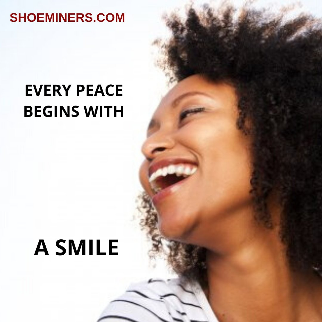 Wanna feel absolute peace in any situation? start with a smile. __ #shoesforbigfeet #plussizefashion #plussizenaija #owambeparries #asoebi #bigfeet #plussizeshoes #naijafashiondaily #nigerianfashionblogger #shoeminers #bigfeetfoundlove #christmaspic.twitter.com/SZuSHV1RiV