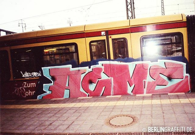 "ACME — #berlin #graffiti #berlingraffiti #graffitiberlin #fotoboom #trains #berlintrains #sputnik #br485 #граффити — © BERLIN GRAFFITI — FROM ""FOTOBOOM - ACME SPECIAL"" ON https://berlingraffiti.de/  https://www.instagram.com/p/B6lCeNkpmlT/ pic.twitter.com/g30mXb03Qw"