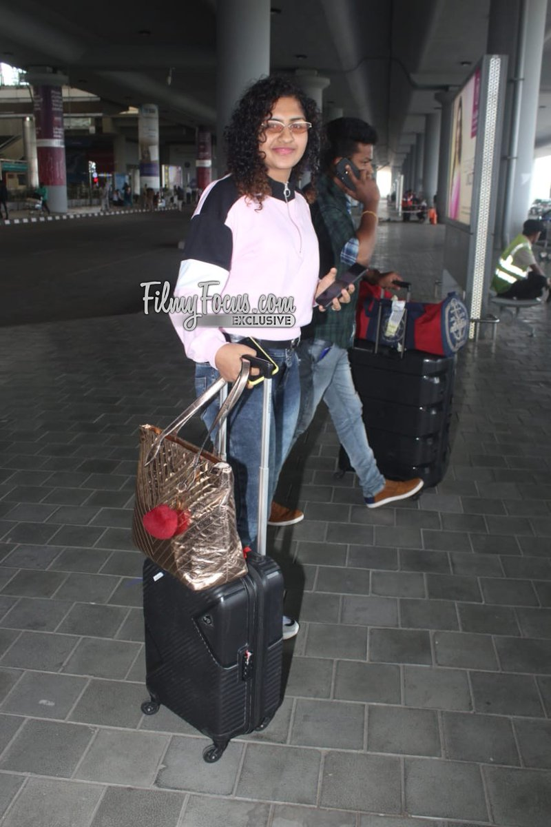 #LoversDay Fame #NoorinShareef At The City Airport.!  #Noorin #ActressNoorinShareef @NoorinShareef #Airportlook #AirportDiaries #CelebSpotted #Filmyfocuspic.twitter.com/MsEWyRpGN2