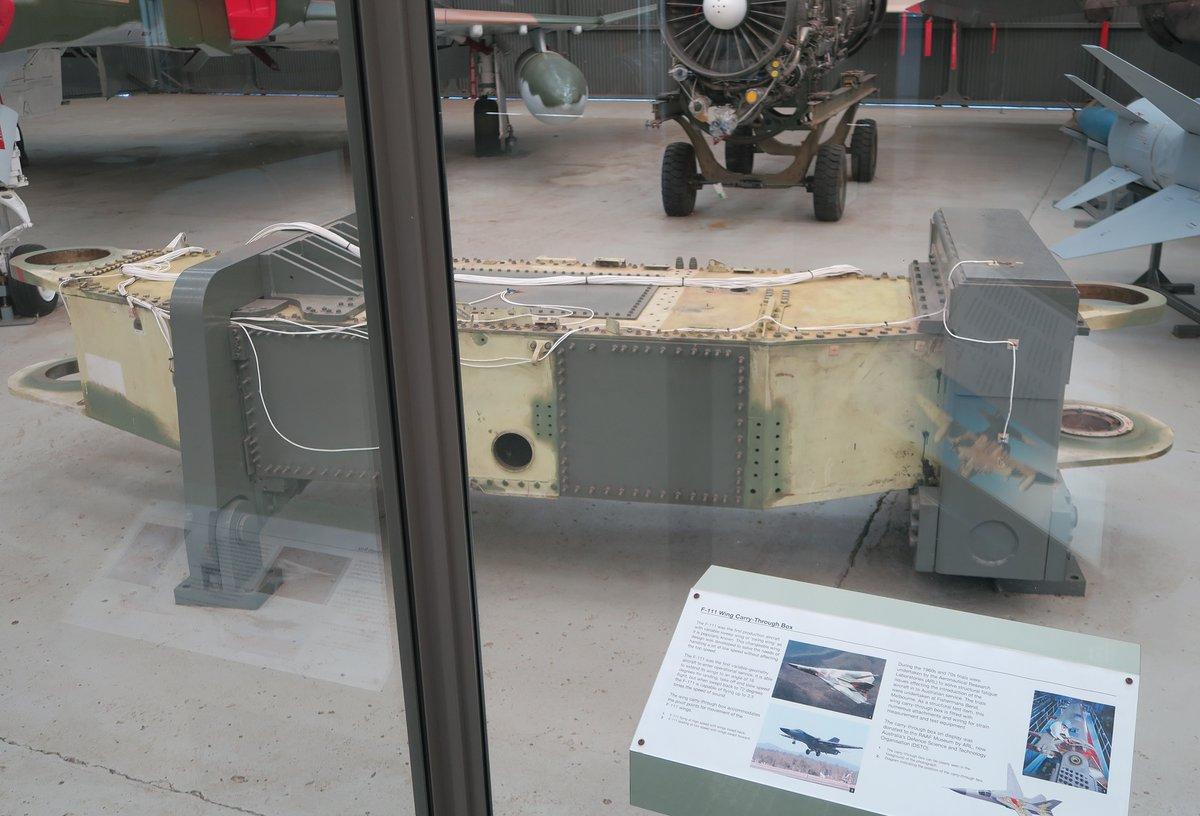 "emomon on Twitter: ""オーストラリア空軍博物館に展示されていたF-111 ..."