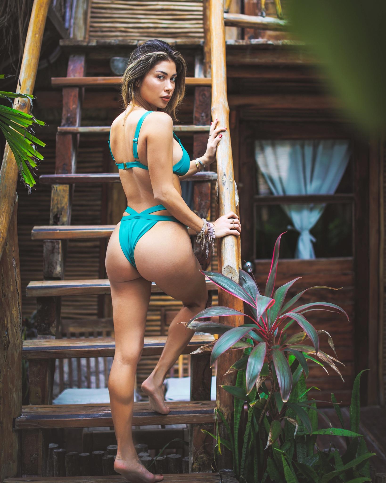 UFC Ring Girl Arianny Celeste Underwear And Bikini Photos