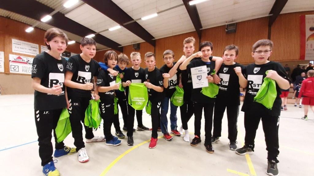 Handball D-Jugend beim HVN Pokalerfolgreich http://u310000aa.web22.freenetdomain.de/wp/handball-d-jugend-beim-hvn-pokal-erfolgreich/…pic.twitter.com/bSV9favZRU