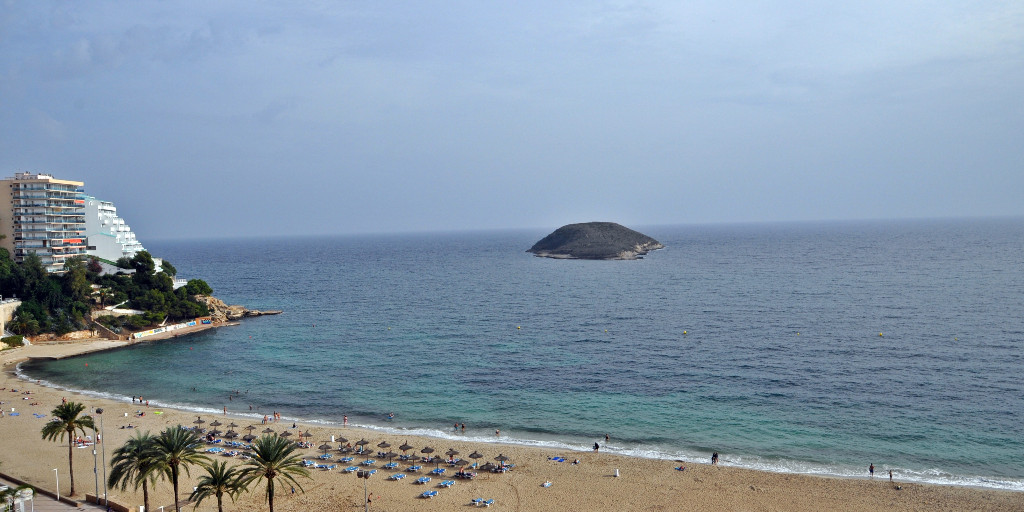 - Wir können Mallorca.  Appartement mit sensationellem Meerblick in Magaluf.  Preis :  239.000,-- Euro  https://www.pur-mallorca.com/immo/id-1882-attraktives-meerblick-appartement-in-magaluf/…  #Mallorca #magaluf  #PURMallorca #appartement #poolanlage #meerblick #propertyforsale #mallorcasouthwest #mallorcalove #PMI #seaviewpic.twitter.com/OtBSkcNzrF