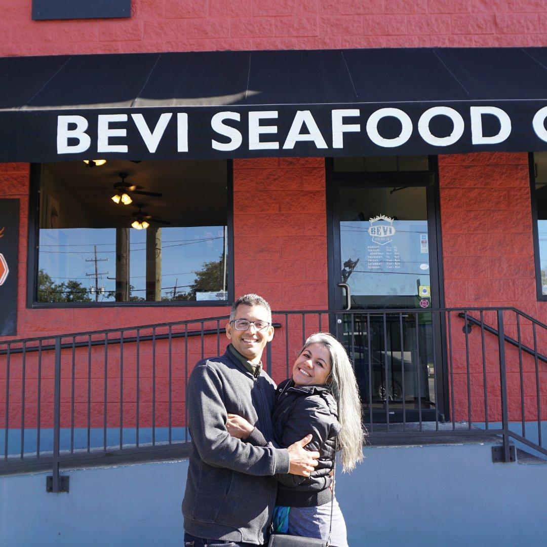O po-bo é um sanduíche típico da cidade feito normalmente com frutos do mar em uma baguete francesa. .  https://www.viagensinvisiveis.com.br/nova-orleans-alem-do-french-quartier.html…  #viagensinvisiveis #sourbbv #missaovt #USA #mycountry #NewOrleans #nola #visitneworleans #estadosunidos #EUA #VisitTheUSA, #RoadTripUSApic.twitter.com/Nb1am6nNyR