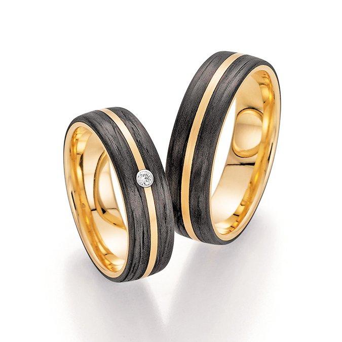 2020 wird euer Hochzeitsjahr?   Wie werdet ihr feiern? Recht groß oder eher im kleinen Kreis?  http://www.irismenzetrauringe.de  #trauringe #eheringe #carbonringe #carbon #wedding #hochzeit #heiraten #rings #jaichwill #freundschaftsringe #apricotgold #ringe #hochzeit2020 #heiraten2020 pic.twitter.com/B2xPnoPbf3