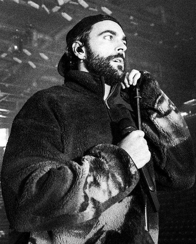 ..e Amore mio grande, Amore che mi credi, vinceremo contro tutti e resteremo in piedi ad in cassare la vita sul Ring#MarcoMengoni #Music #Guerriero #atlanticoexperience #instagood #assagoforum #soldiers #mood #blackandwhite #musician #goodtimes #love … https://ift.tt/35G1ANkpic.twitter.com/axfpDSpB4V