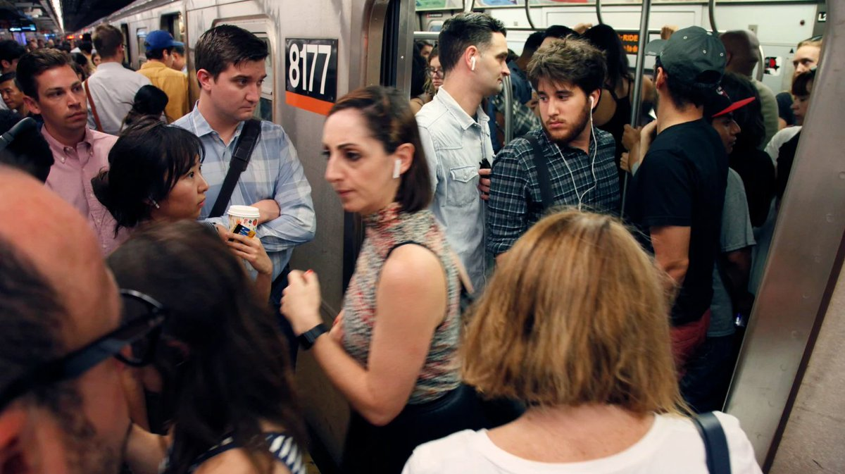 Apple Pay users are getting unintentionally charged at NYC subway turnstiles