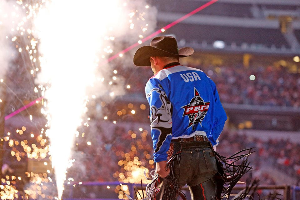 A little #TBT to the last PBR Global Cup. Join us in #ATTStadium on Feb 15-16 for the next Global Cup! ✨🤠 Tickets → bit.ly/2sdVYMK