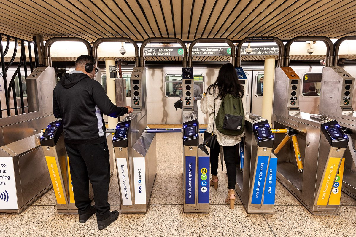 Some NYC subway riders are accidentally getting double-charged because of Apple Pay