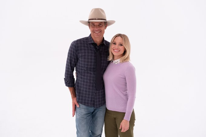fifty gallons of man in a ten-gallon hat. welcome, Timothy Olyphant! #TheGoodPlace https://t.co/aZNT