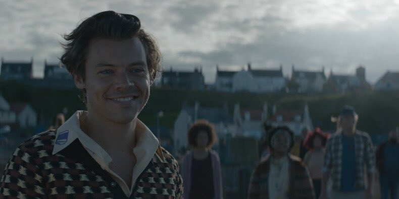 Been on the #VisitEroda short trip boat ride streaming the video all day.  Just tonight realized the part I miss most.   Is there anything better than a Harry Styles smile?  I think NOT. <br>http://pic.twitter.com/jLhLqzz2wO