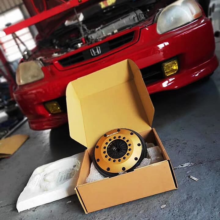 Border R1 clutch for HONDA B18C  Border R1 clutch Best for circuit Honda B18C  best price for quality product Contact us Now  #Borderracing  #clutch #aftermarket  #motorsport   #hondab18c #honda #b18c pic.twitter.com/eEtTRC3mM1