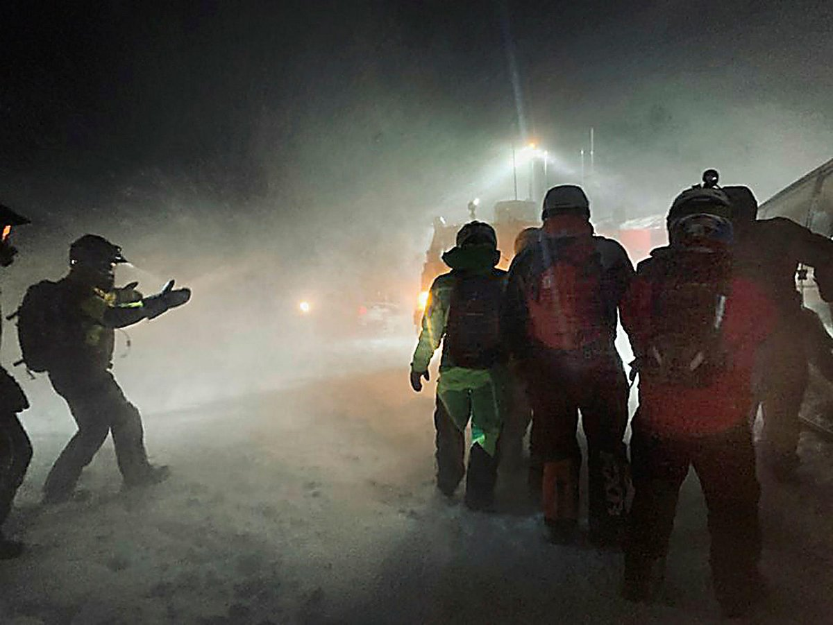 Letter from Tourist Rescued on Langjökull https://icelandmonitor.mbl.is/news/news/2020/01/09/letter_from_tourist_rescued_on_langjokull/… via @IcelandMonitor #iceland #icelandtravel #winter #storm #langjokull #glacier #safetravel #Rescue