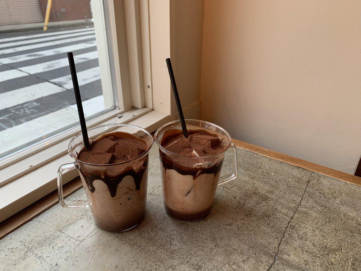 代々木八幡の【almondhostelandcafe】全国のチョコ好き、チョコを愛する者たち、チョコを憎む者たち、全てのチョコ関係者に伝われ!