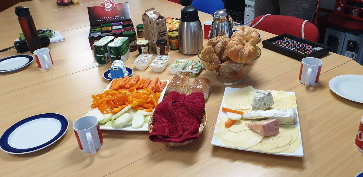 Erste Teamberatung in #2020 im #TeamSchulle. Gleich geht's los mit lecker #Frühstück und vielen guten Ideen für #Görlitz, die #Oberlausitz und #Sachsen, die wir 2020 umsetzen wollen.pic.twitter.com/gvgki4ISvW