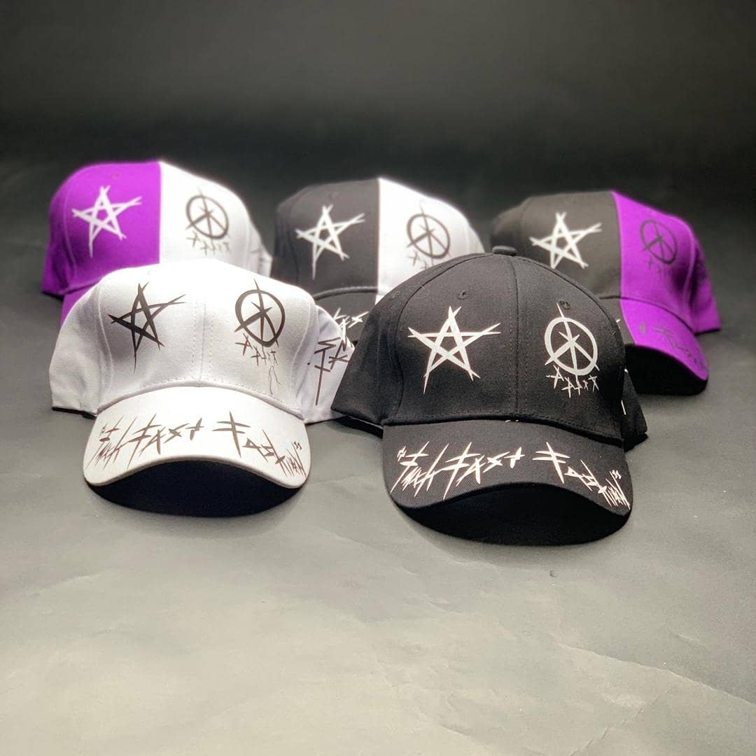 Caps made just for you, shades won't protect your head from sunlight but caps will. So what exactly are you waiting for? Get these caps for just 3,500 naira before it goes back to it's original price. DM NOW #baddbwoybill #shoponline #slaywithless #slayonbudget #shoppinginlagospic.twitter.com/gYeSEohCJh