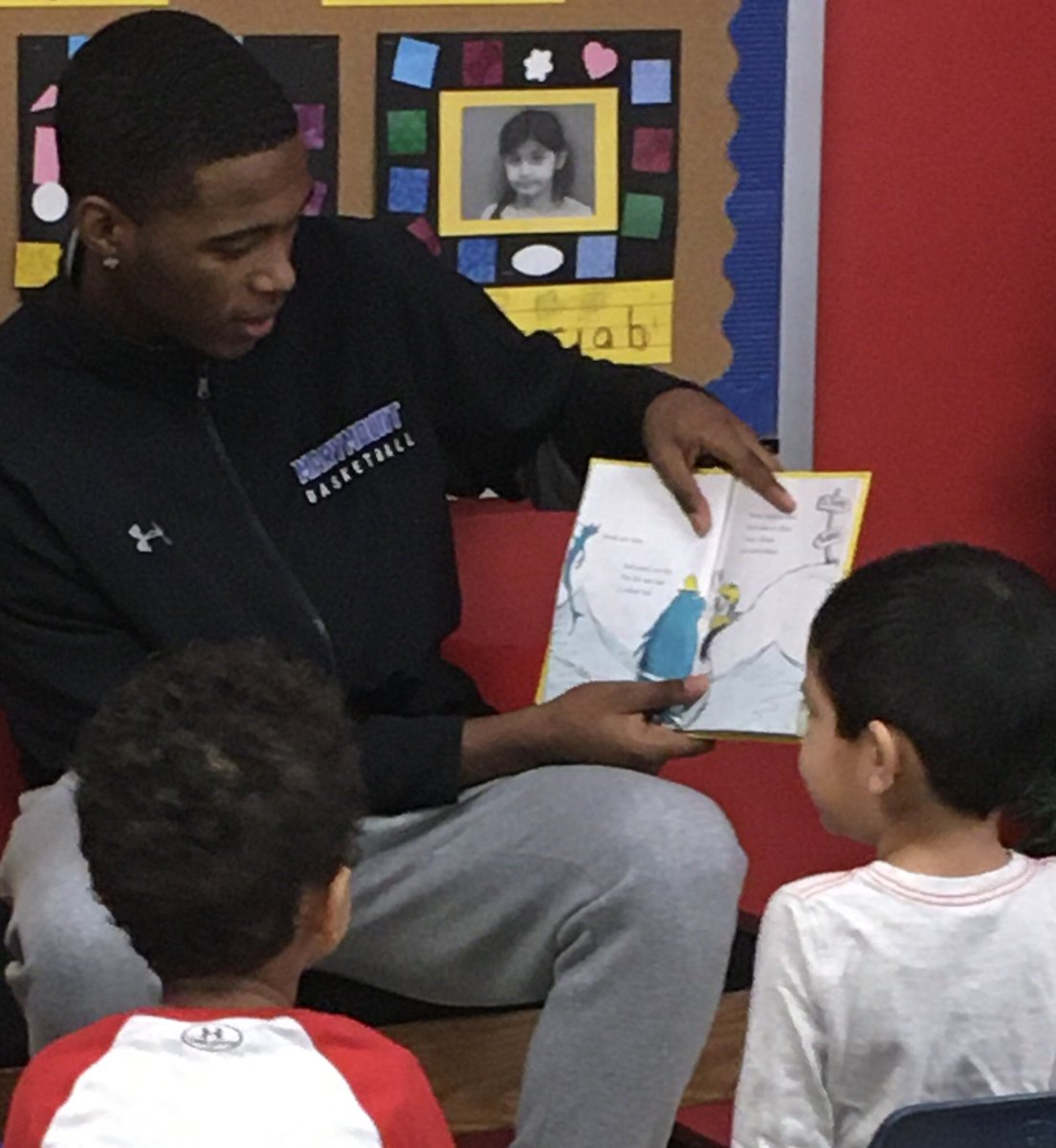Reading with <a target='_blank' href='http://twitter.com/marymount_mbb'>@marymount_mbb</a> men's basketball players <a target='_blank' href='http://search.twitter.com/search?q=abdrocks'><a target='_blank' href='https://twitter.com/hashtag/abdrocks?src=hash'>#abdrocks</a></a> <a target='_blank' href='https://t.co/PdJb7mpnHs'>https://t.co/PdJb7mpnHs</a>