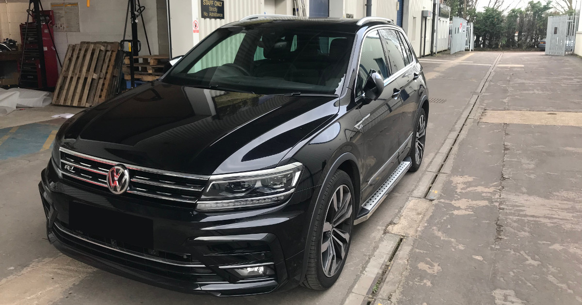 #CAROFTHEWEEK; looking good is the @UKVolkswagen #Tiguan seen with our aftermarket 'Freedom' side steps.  https://direct4x4.co.uk/collections/volkswagen-accessories…  Our luxury running boards are a great accessory for your #SUV, making family life a little easier for tiny feet!pic.twitter.com/PwbnU0kmiu