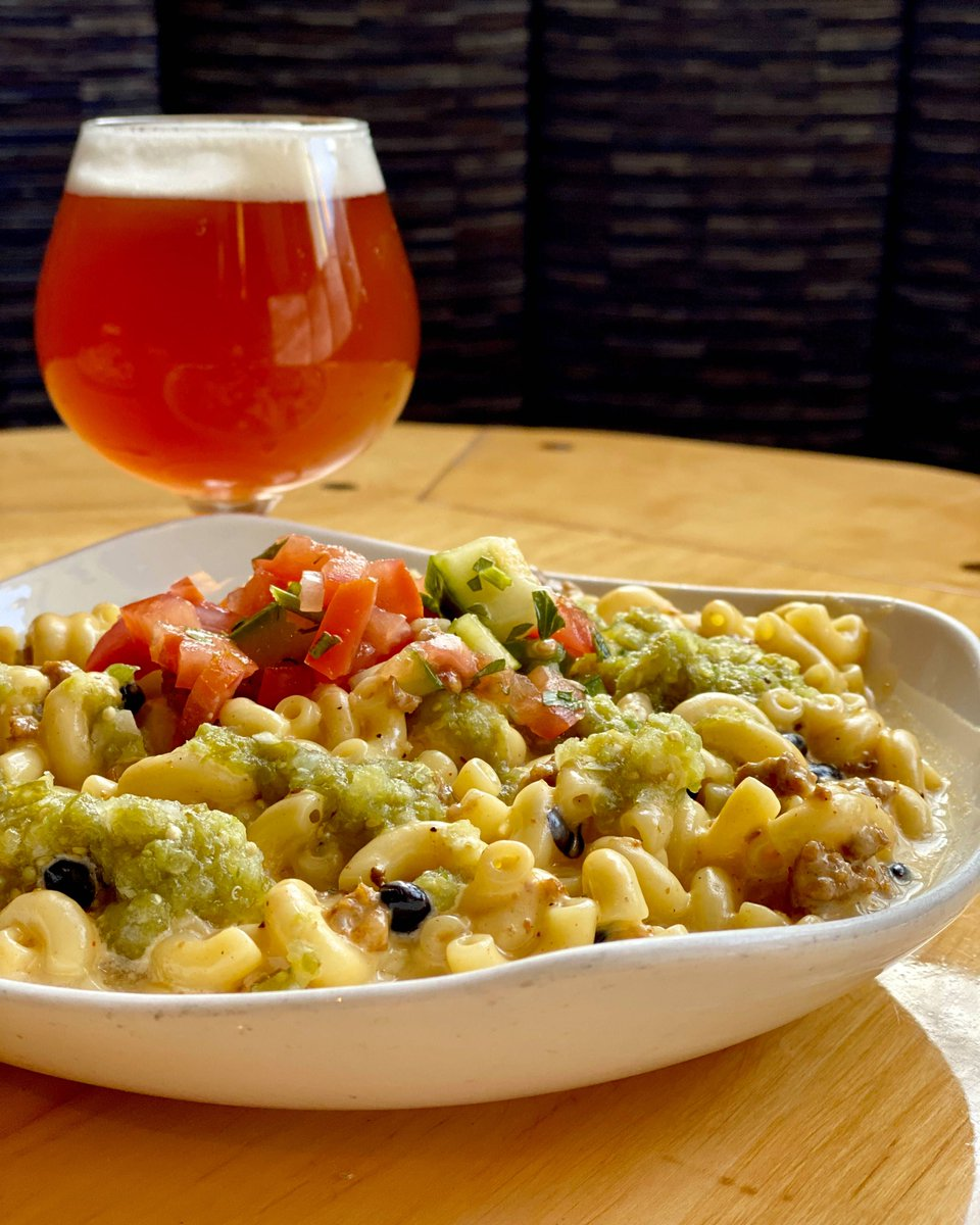 This January Mac Attack  might be one of our best yet! American cheese, pepper jack cheese, black beans and chorizo, topped with tomatillo salsa and pico de gallo! COME AND GET IT!  #nanobrewcleveland pic.twitter.com/8fvcznupcK