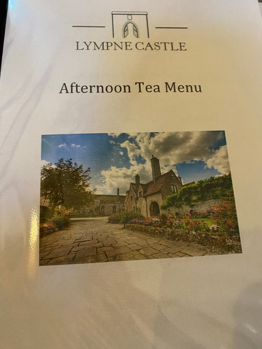 AFTERNOON TEA AT THECASTLE!  https:// karensworld-writer.co.uk/afternoon-tea- at-the-castle/  … <br>http://pic.twitter.com/dG8yS5XtS4