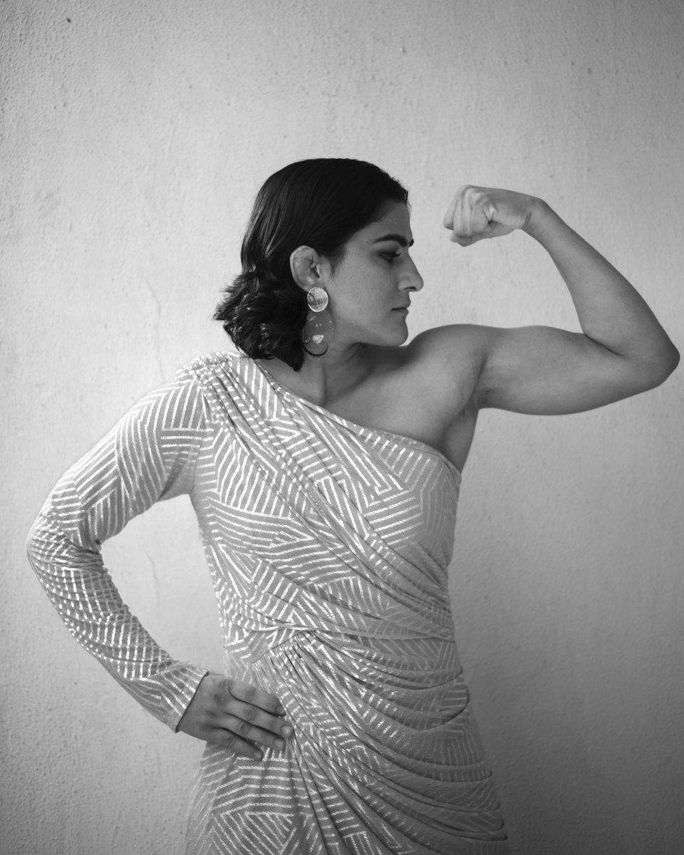 Woman is the new strong 💪🏼Powered by: birbal_sne#girlpower #womenpower #strong #strength #heart #grit #passion #courage #love #mystyle #mylook  #whysoserious #funshoots  #birbalshoots #birbalsports