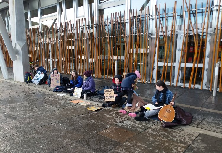 School strike for climate at the Scottish Parliament, week 48! 🏴󠁧󠁢󠁳󠁣󠁴󠁿🌍 #FridaysForFuture