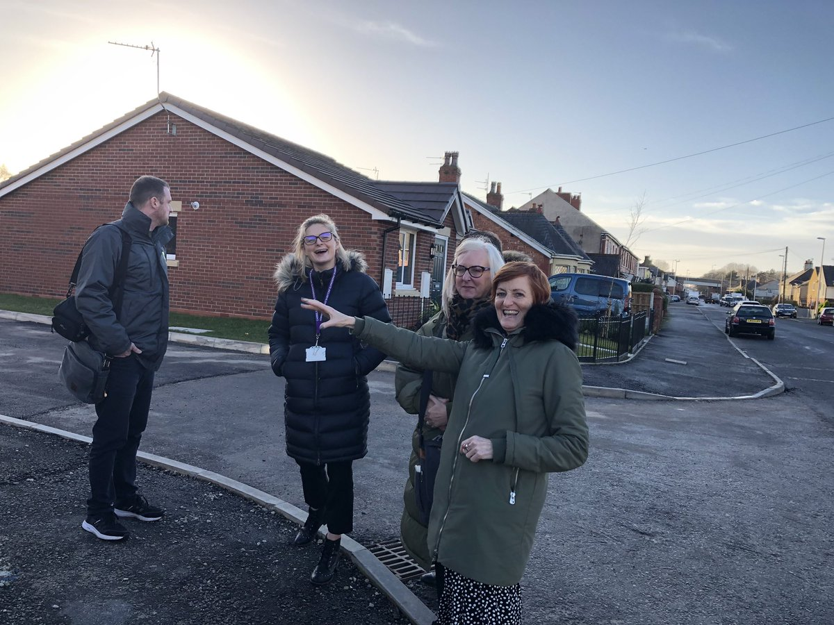 Great to see @MuirGroupHA Watson Road scheme today with @muir_barb showing @HelenSocKnowHow @Beckymillermuir @MatthewsMuir and Rob the progress!