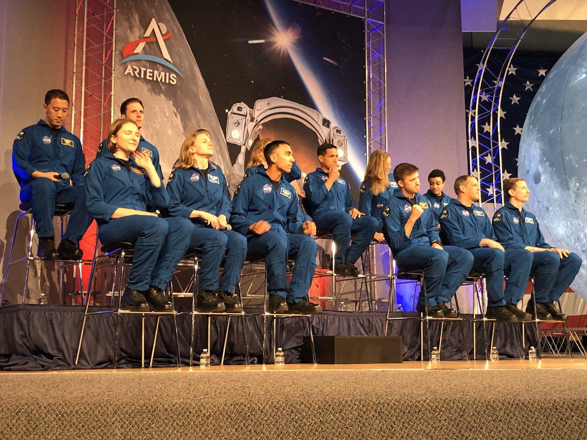 Celebrating the graduation of 13 new astronauts at Johnson Space Center. @NASA_Johnson