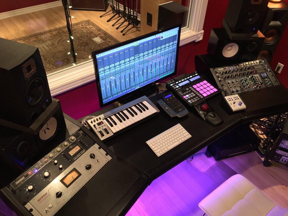 Zaor Studio Furniture On Twitter Amazing Newcomb Studios In Ontario Canada Featuring An Onda Angled Black As The Centerpiece Onda Angled Https T Co 5ilbelle7w Studiodesk Studiofurniture Recordingstudio Https T Co P5ukaugbfm