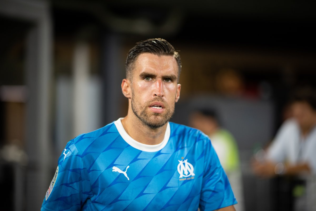 82': Kevin Strootman replaces Valentin Rongier 84': Kevin Strootman scores the winning goal for Marseille against Rennes with his first touch  An inspired substitution from André Villas-Boas.  <br>http://pic.twitter.com/JnHxeBEB8R