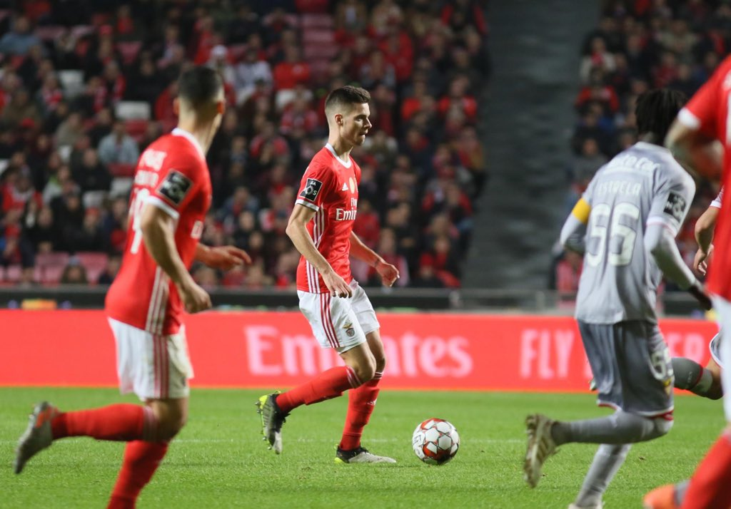 Happy about my debut for @slbenfica 🦅 Hard fight but the 3 points stay here 💪🏽