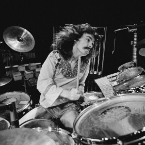 Dammit #ripneilpeart Inspiration, legend, genius and humble nice guy. Missed https://t.co/BQs63weeOW