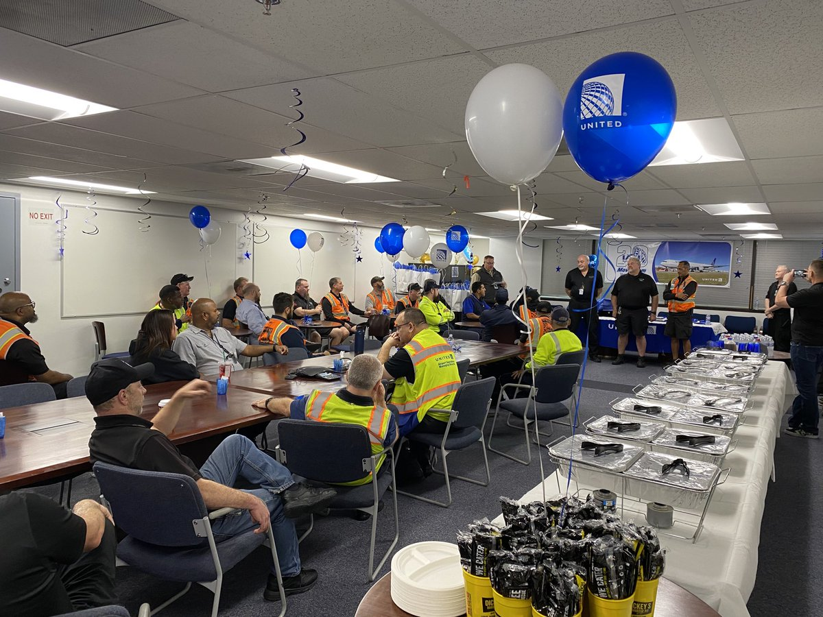 Celebrating 20 years of successful operations with the move team today. Great team of dedicated individuals committed to safely moving airplanes! @JMRoitman @weareunited @richkushner @deck_68 @billwatts_11