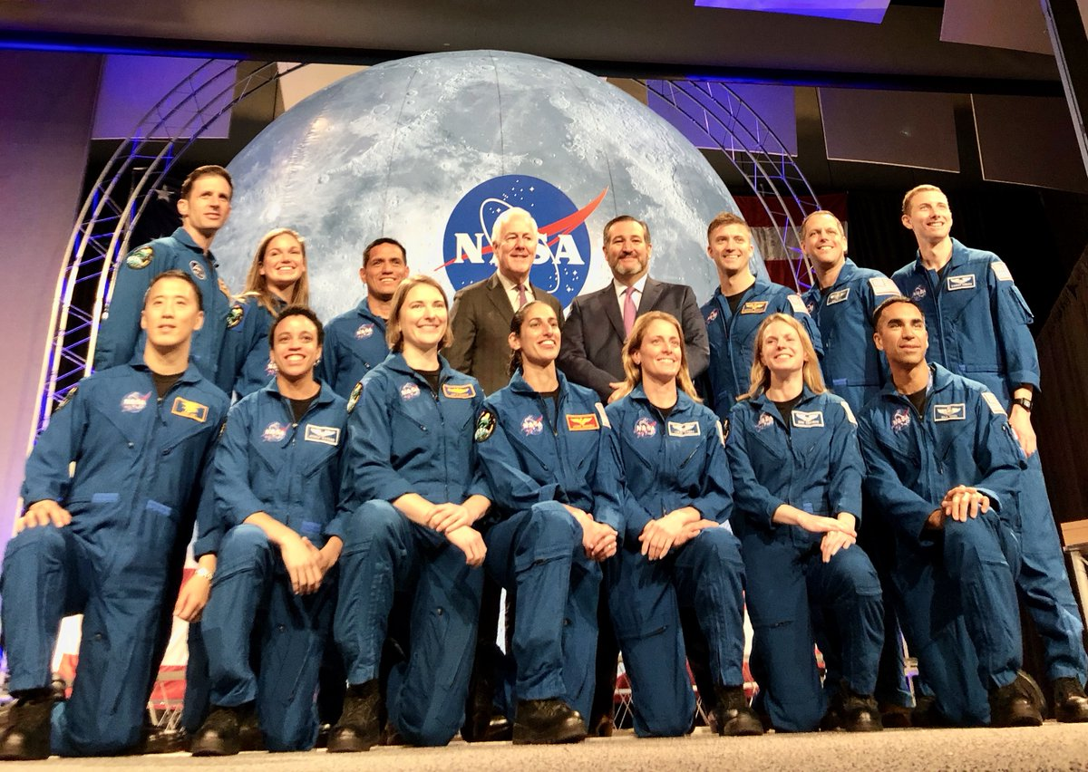 Congratulations to the @NASA_Astronauts & @csa_asc astronauts who graduated today. They were selected in 2017 by @NASA from more than 18,000 applicants & have completed 2+ years of basic training.