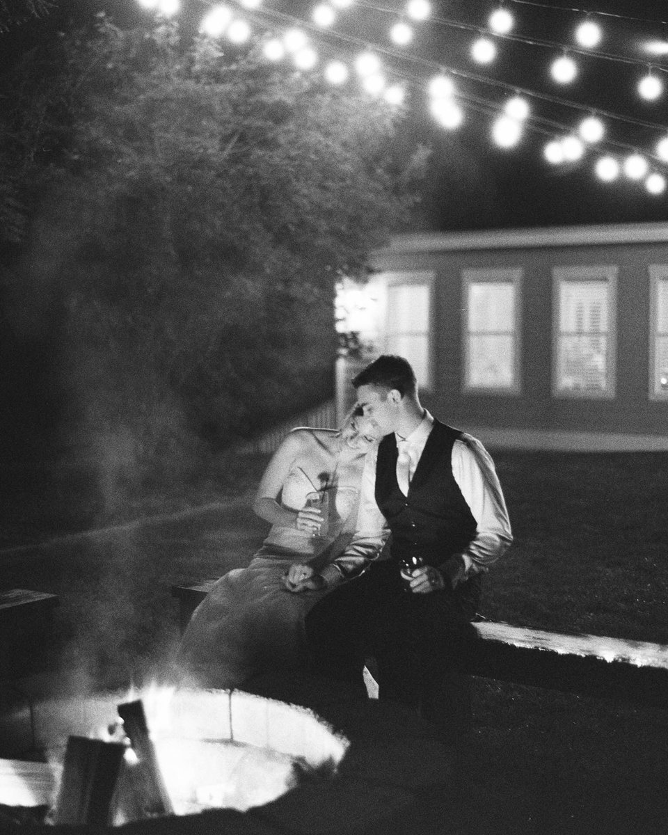 """.@bluerosepictures talks teamwork: """"One person poured some fire starter into the fire to make those flames brighter while one person took digital shots just in case... Luckily the 1 shot (only had 1 left on the roll) actually turned out!""""  #richardphotolab #delta3200 #filmgrain pic.twitter.com/QVf02K2OLx"""