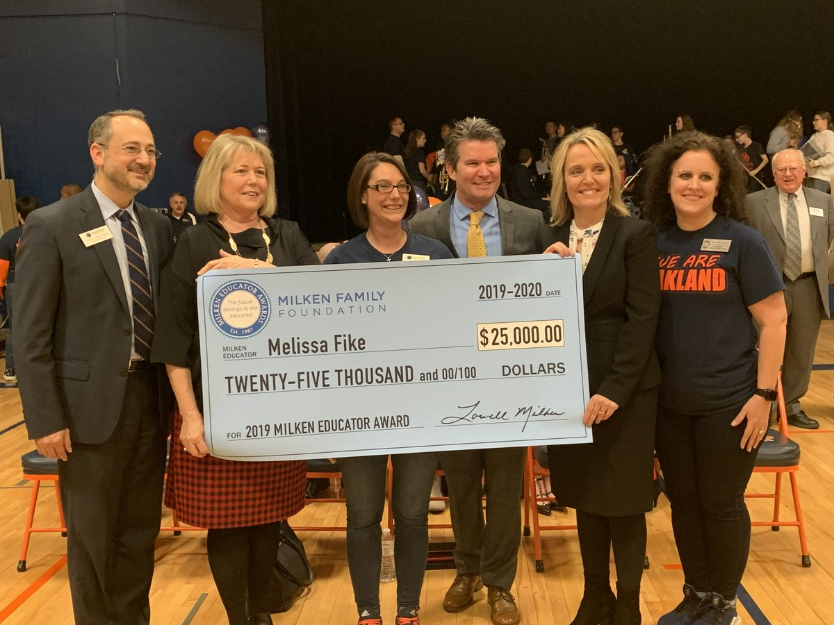 @OMSEagles Math teacher Melissa Fike   just earned the equivalent of an Oscar in Education. #CPSBest #ShowMeSuccess  Missouri's 2019-20 #MilkenAward recipient.   @pstieple @MOCommissioner @FirstLadyTeresa  https:// twitter.com/Milken/status/ 1215725109207371777   … <br>http://pic.twitter.com/TYHywNQdsX