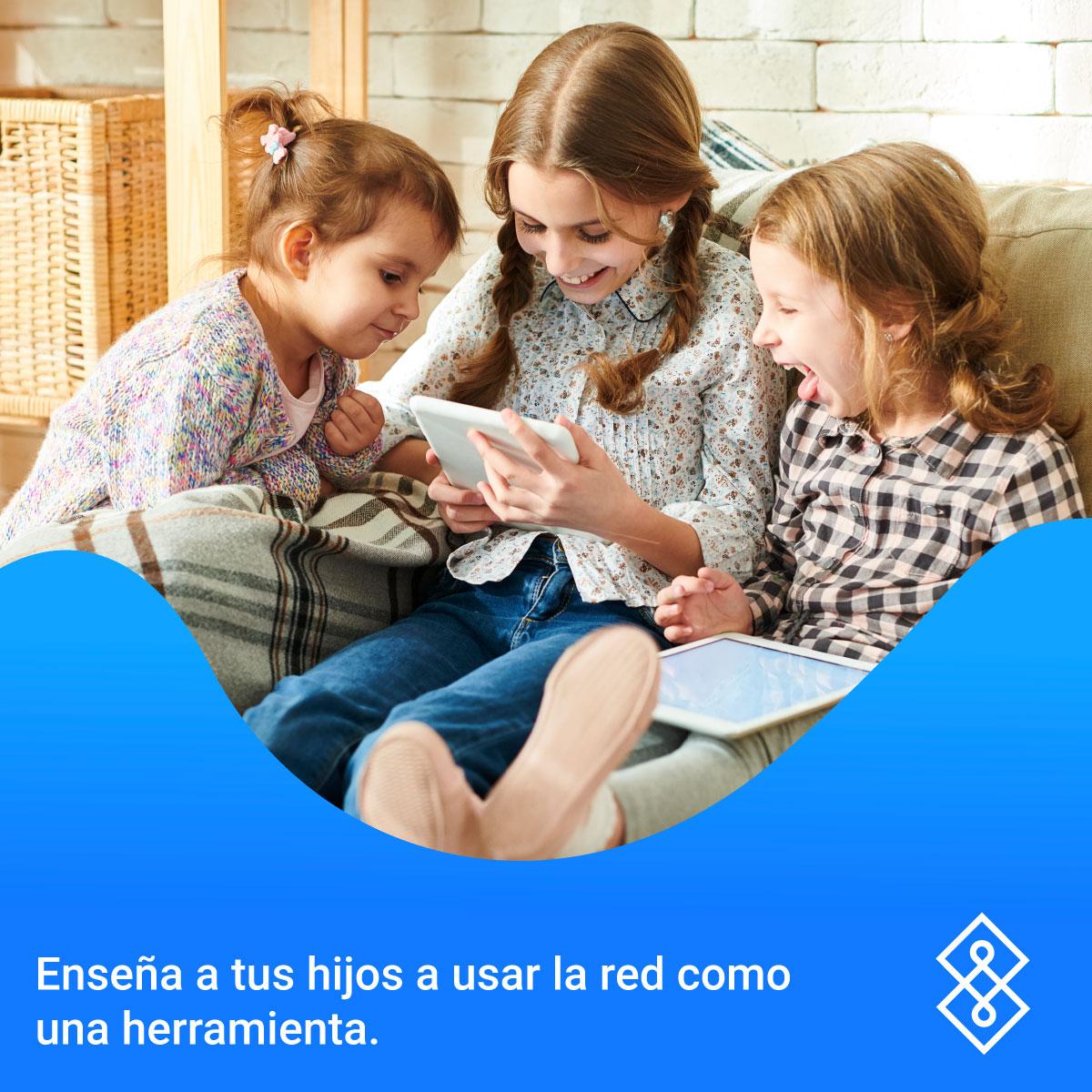 Hoy en día, los niños pasan parte de su tiempo en la red. Es importante ponerles atención para generar la interacción deseada como padres de familia. 📲👧🏻👦🏻  Conoce más: https://t.co/qZVxwgi12p https://t.co/sHd2zKeq0w
