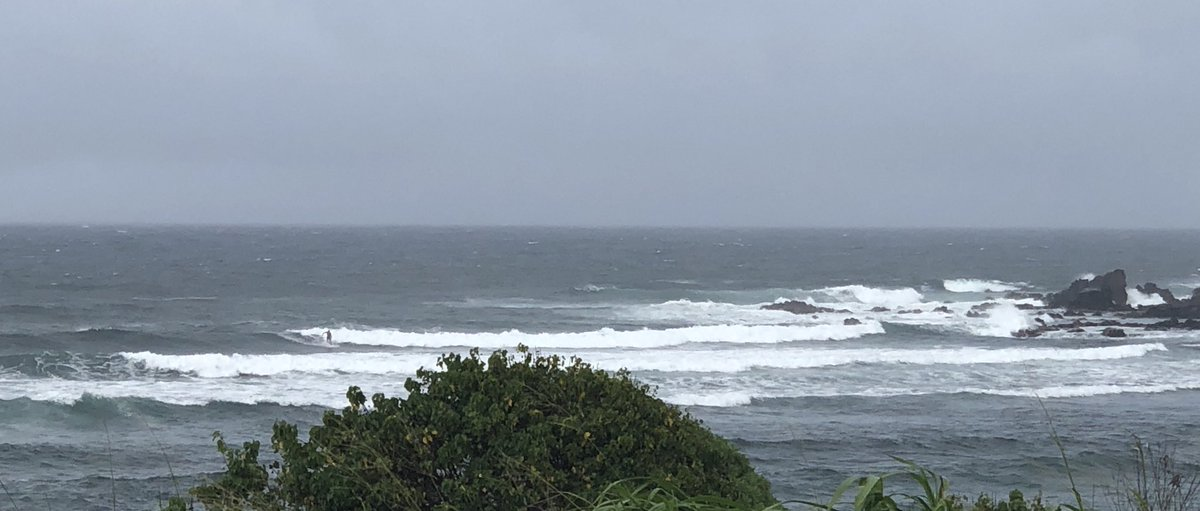 test Twitter Media - Ho'okipa overcast and rainy. #cmweather #Maui #surf #commiment #Mauinokaoi https://t.co/aglnRRAJJ1