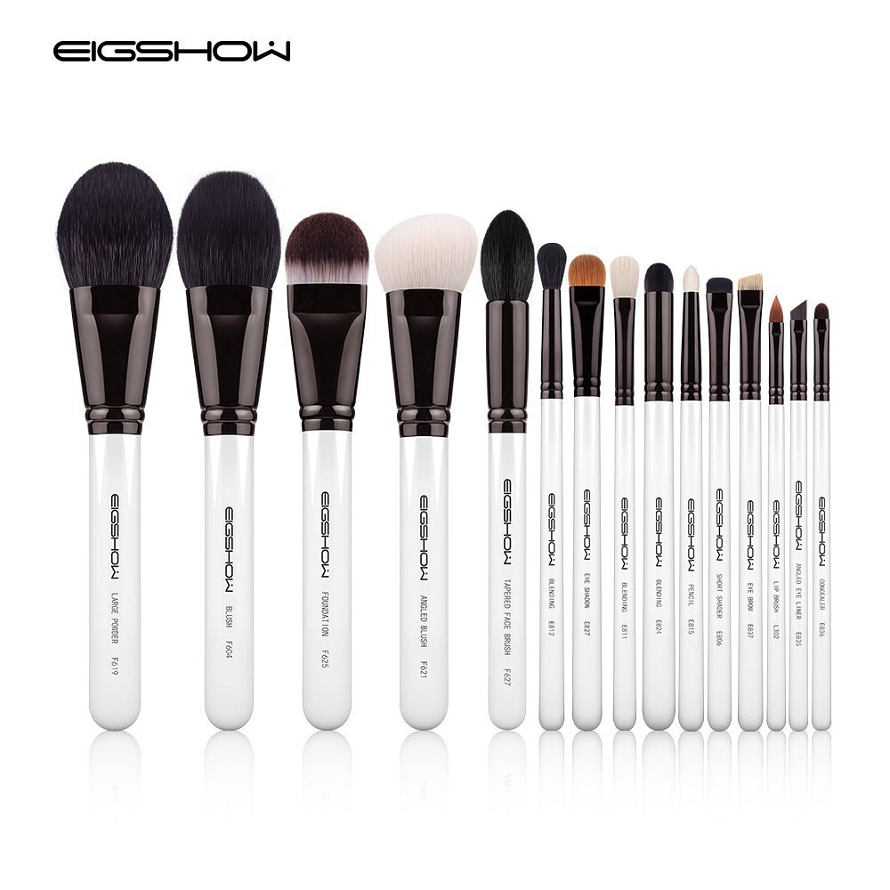 15 PCS CLASSIC BRUSH KIT - LIGHT GUN BLACK Thank you @lash_uae  for using our brushes and enjoying them  -Get Yours Today-  https://eigshowbeauty.com/  Follow   @eigshowbeauty  Now . . #makeuplook#editorial#editorialmakeup#highfashionmakeup#theartistedit#themakeupeditpic.twitter.com/Eb8ey7HUpJ