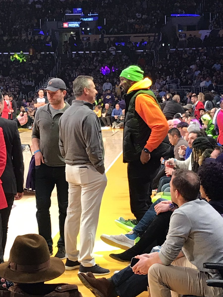 Urban Meyer went and found Kobe to chat between the third and fourth quarters