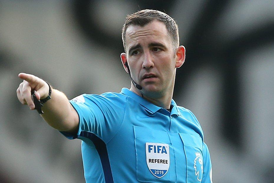 Hasil gambar untuk Chris Kavangah referee