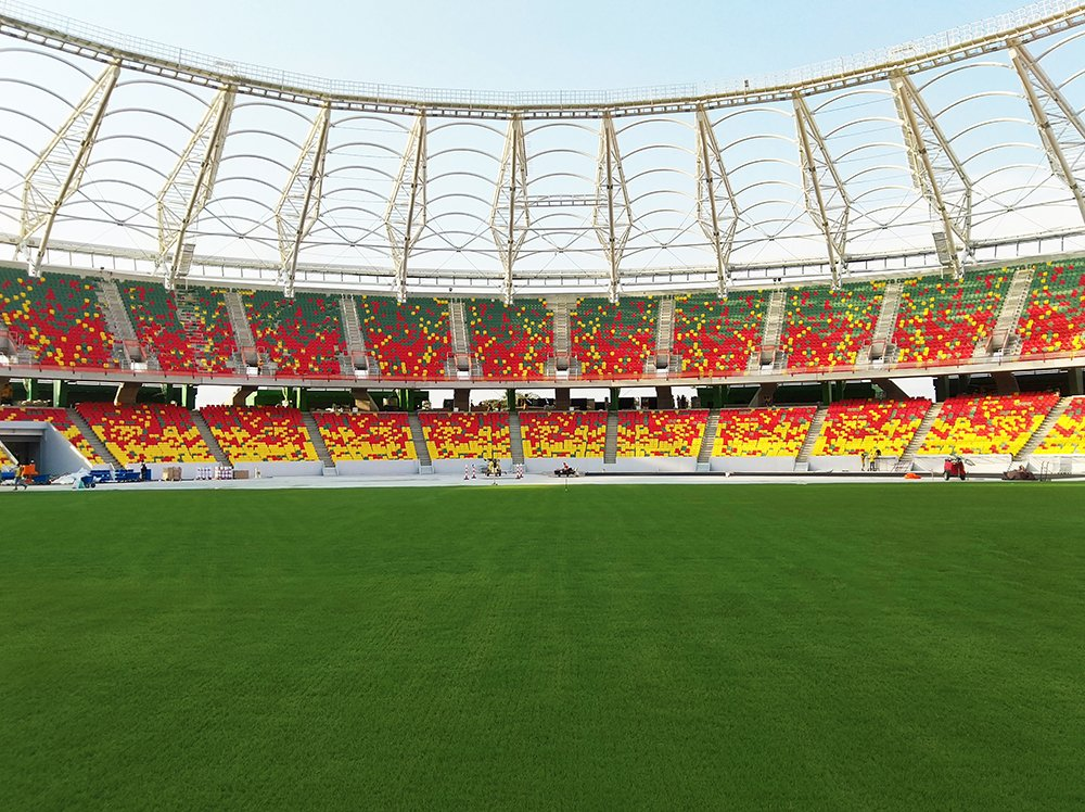 Set to host the next CHAN games, the Japoma Stadium is certainly one of our most exceptional projects of the year! Our team is proud to have completed the full construction and installation of natural grass on the main football field as well as the two training fields.