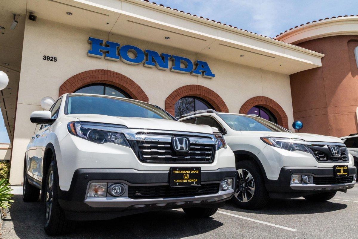 Ride into the #NewYear in our #Honda #Ridgeline. 😎😍🙌 #HondaLove #TruckLove #HondaTruck #HappyHondaDays #HondaRidgeline 🔺  🔺