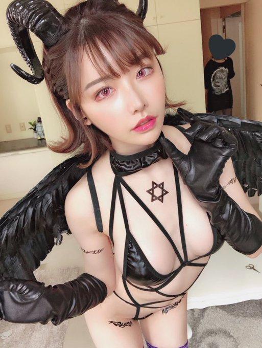 AV女優深田えいみのTwitter自撮りエロ画像13