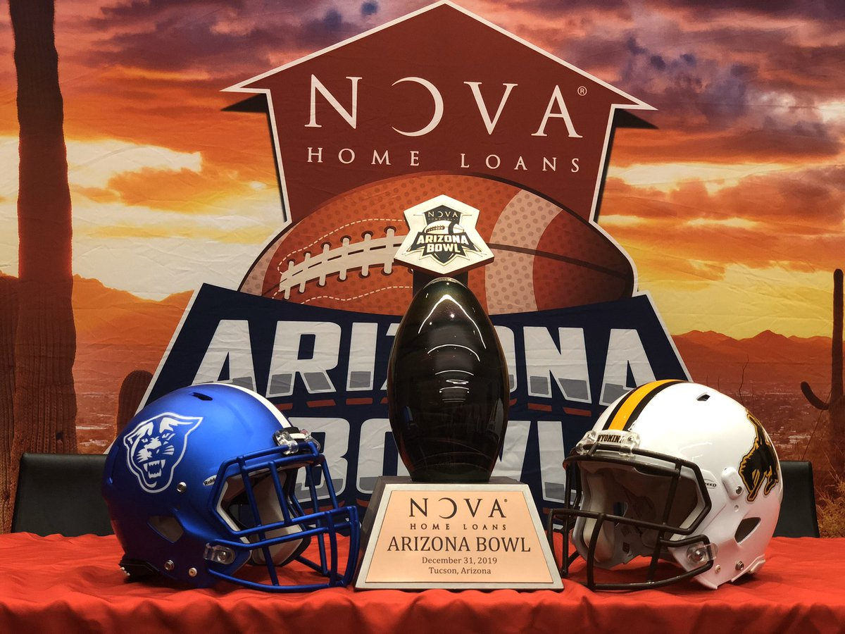 Who's ready for the @novaAZBOWL?!?! <br>http://pic.twitter.com/VtcFzNWwgE