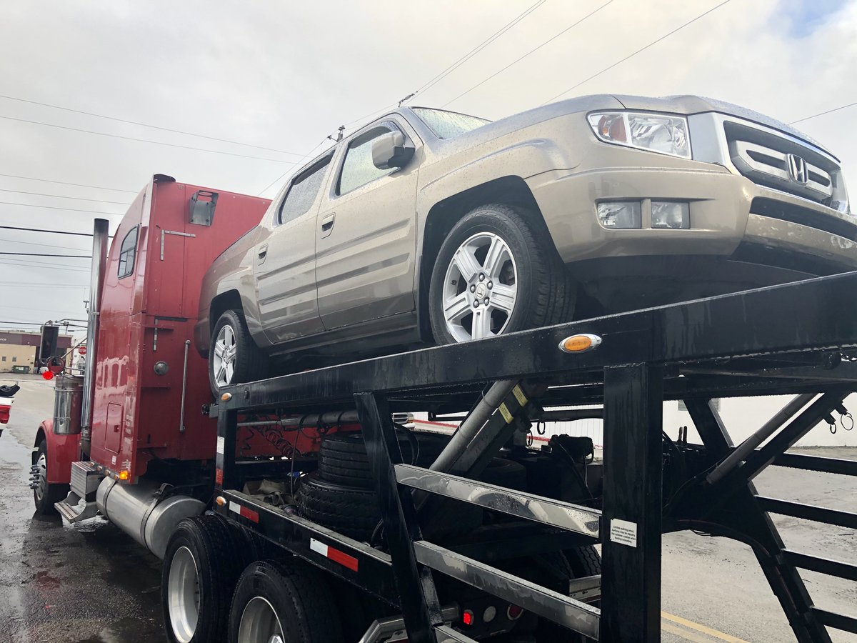 This 2009 #HondaRidgeline is on its way to a new owner in #Knoxville #Tennessee.  #RightChoiceAutoSales in #PompanoBeach #Florida delivers the #bestdeals in the country!    #carsforsale #usedcars #deals #wedeliver #carsoncarriers #SouthFlorida #CarDealer