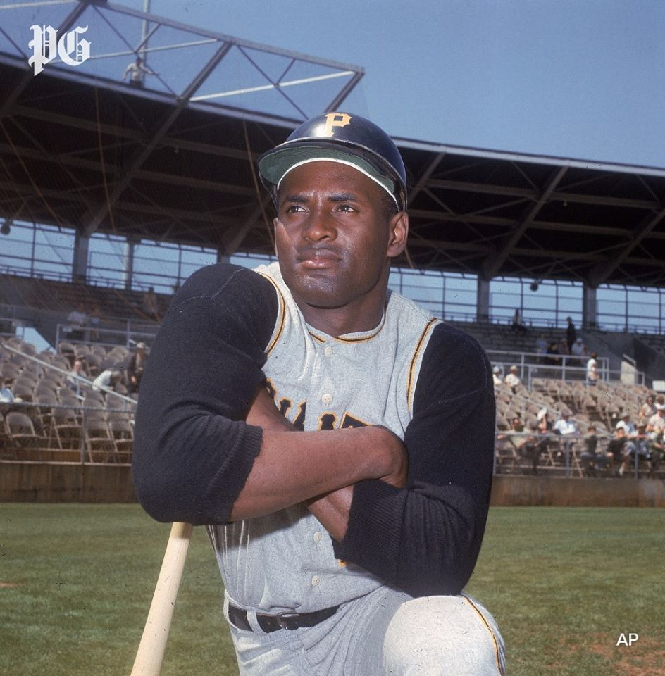 From the archives: Roberto Clemente died the way all great men die: as a hero.  The legendary Pirates outfielder died in a plane crash on Dec. 31, 1972 while delivering relief supplies to earthquake-ravaged Nicaragua.  Read more ➡ https://t.co/YBBSGBfE7x https://t.co/4me0GOofZ8